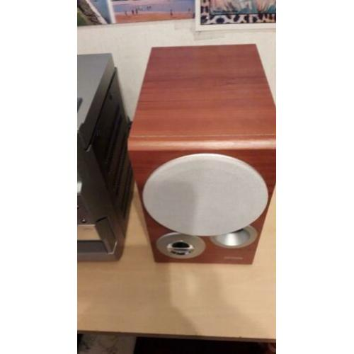 speakers 20 euro en gratis defecte radio cd speler kado